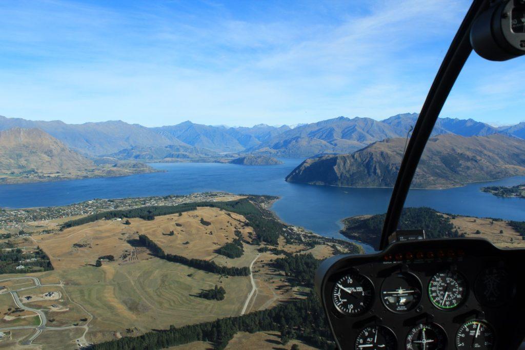 Lac Wanaka, vu d'hélicoptère