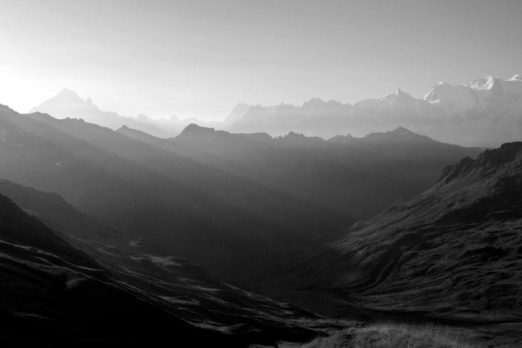 Le soleil se lève sur la vallèe
