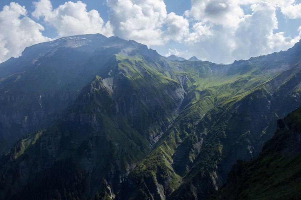 Ombres et lumières sur le Mont Buet et sa crête